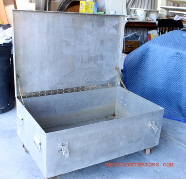 Metal trunk with casters 4