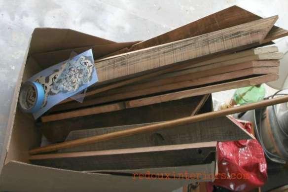 cut wood for rustic diy chalkboard redouxinteriors