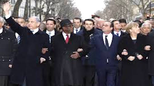 Netanyahu waving at Paris demonstration