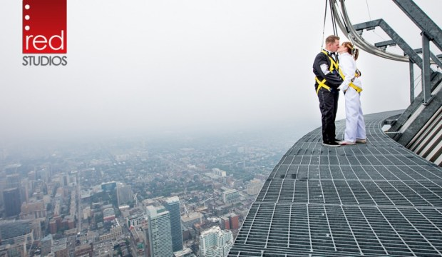 Edgewalk-Wedding-Photo-CN-Tower-Red-Andal.jpg?fit=669%2C389