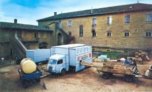 Georges old Citroen Mobile Bottling Tuck
