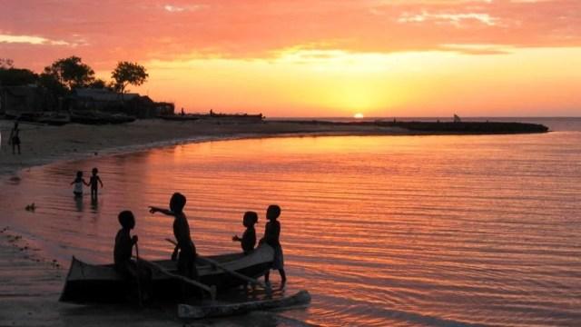 ifaty_beach_sunset_sm