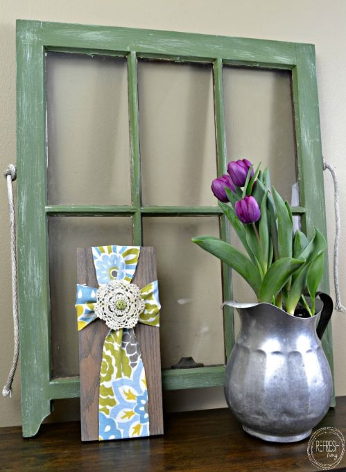 easy diy easter decoration wood and fabric cross