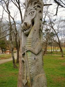 1024px-Montevallo,_Alabama_Tim_Tingle_Tree_Carvings_in_Orr_Park_2
