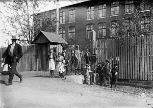 Child_workers_in_Huntsville,_Alabama