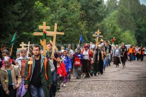 1370397956-christian-orthodox-pilgrimage-to-the-holy-mount-of-grabarka-in-poland_2120405