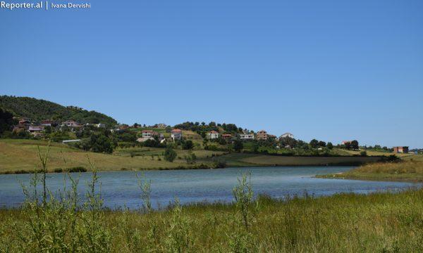 Liqeni i Kasharit.