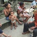 El Presidente soportó una avalancha de quejas en el refugio de La Ciudadela, en el 23 de Enero. Exhortó a sus ministros a ubicar a damnificados en sedes de organismos públicos.
