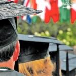 Algunos jóvenes han tenido que abandonar sus planes académicos y otros, posponerlos.