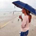 Las lluvias alejaron a los turistas y bañistas en Higuerote.