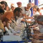 Margarita López Maya dice que es el momento de enamorar a los venezolanos de a pie con un programa y una propuesta porque la situación del candidato opositor no es fácil.