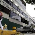 """Venezuela """"evalúa"""" alcance de sanciones sobre la operatividad y suministro a EEUU."""