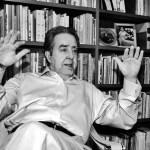 Sambrano Urdaneta fue destituido del cargo de director de la Fundación Casa de Bello por el presidente Hugo Chávez, que en 2001 anunció en cadena lo que llamó la revolución cultural.