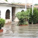 Las precipitaciones que se han registrado desde el pasado sábado, han mantenido en zozobra a los vecinos del sur de Maracay, en la La Punta y Mata Redonda.