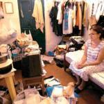 Betty Pabón lleva años viviendo en pensiones y hasta se enfermó porque el inquilino que ocupa su apartamento no se lo devuelve. Una batalla que ella libra en Inquilinato desde 1993.