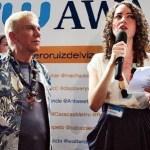 En la entrega de los Twitter Awards, Osmel Sousa acompaño a la animadora Alejandra Otero.