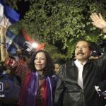 """Los Ortega festejan mientras partidarios de la oposición dicen: """"El fraude se cometió aquí: la lucha continúa""""."""