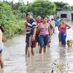 Las lluvias han causado problemas en todo el Zulia, hasta el punto de que el aeropuerto de La Chinita debió suspender varios vuelos, pero los daños más graves fueron en el Sur del Lago.