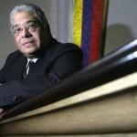 El procurador general de la República, Carlos Escarrá, falleció esta mañana de un infarto fulminante en su casa.