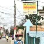 """U n intermediario en bienes inmuebles conocido como """"el Jabao"""" indicó que sólo pueden comprar o permutar una vivienda por otra los cubanos y los residentes permanentes."""