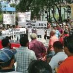 Los manifestantes del oficialismo se reunieron en la plaza Bolívar de Guanare, Edo. Portuguesa.