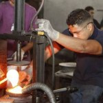 Los industriales locales además de enfrentar la competencia de empresarios de otros países también tienen como competidor al Estado.