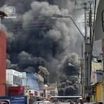 """Imagen del """"gigantesco"""" incendio en la av. Sucre entre Camejo y Carvajal, Bomberos reportan falta de agua para extinguir llamas.."""