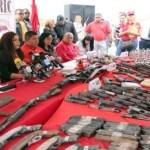 Los presos de Uribana tenían 17 armas largas: 8 fusiles, 5 escopetas y 4 subametralladoras, informó Varela en rueda de prensa ofrecida este jueves desde ese penal larense.