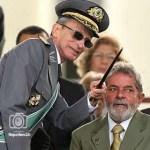 General de División Enzo Martins Peri, Comandante General del Ejército de Brasil.