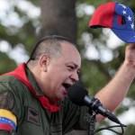 """Diosdado Cabello llamó al pueblo oficialista a actuar como el fallecido expresidente Hugo Chávez, """"para ser mejores revolucionarios"""", y agregó que """"es muy fácil ponerse una franela y decir yo soy Chávez""""."""