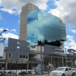 Avon compró espacio en esta propiedad en Caracas por US$13 millones en Venezuela, el valor de las operaciones inmobiliarias es calculado a la tasa no oficial.