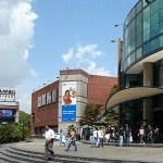 Ricardo Molina, ministro para la Vivienda y Hábitat: Prohíbe multar a arrendatarios por normas internas de centros comerciales.