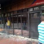En la madrugada de este domingo se registró un incendio en una de las sedes de Corpoelec, ubicada en el Centro Comercial La Mulera del sector Los Samanes.