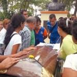 Comunidad universitaria de la Unellez en San Carlos rindió honores a los cuatro profesores asesinados a manos del hampa.