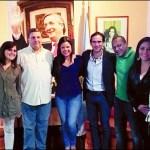 La hija de Hugo Chávez, en el centro, compartió una foto con Cheppi y los Vignati, a su derecha.