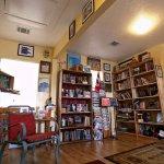 2016-06-20_Resistencia_Bookstore_Rachel.Zein67250