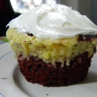 Red Velvet/Cheesecake Marbled Cupcakes