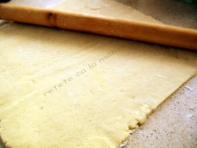 Preparare Prajitura cu branza dulce si stafide 3