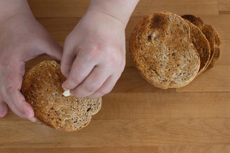 bruschete cu vinete si paine graham vel pitar, preparare 3