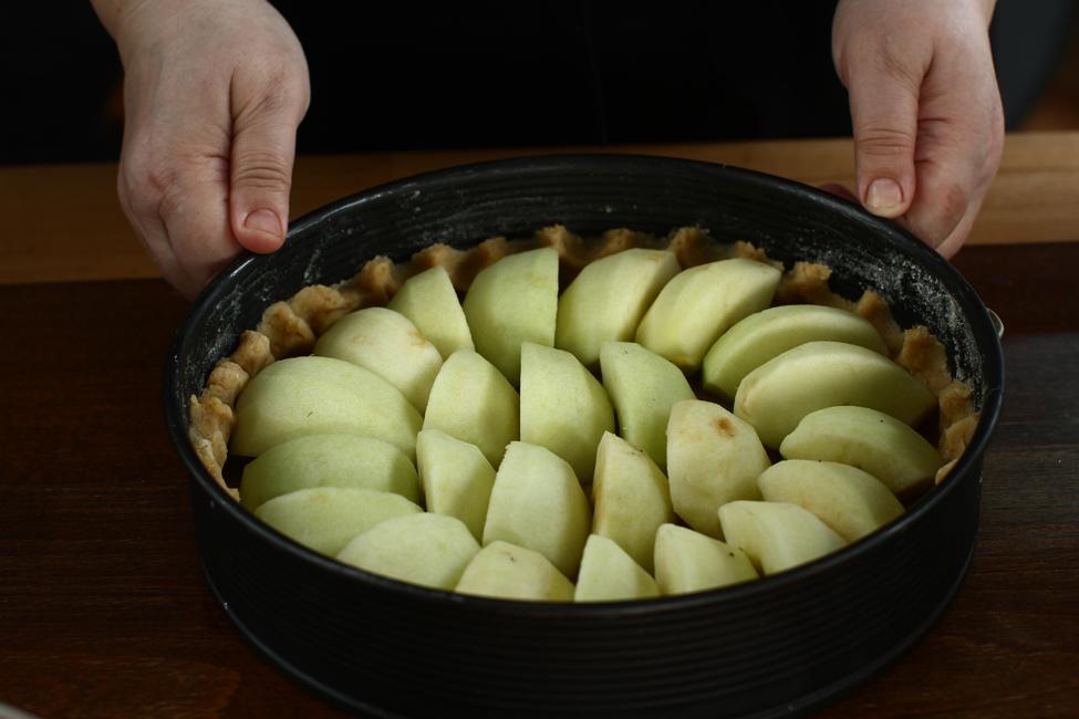 tarta cu mere normanda preparare 3