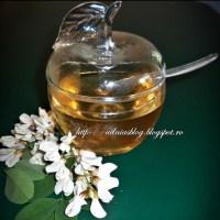 Miere falsa din flori de salcam