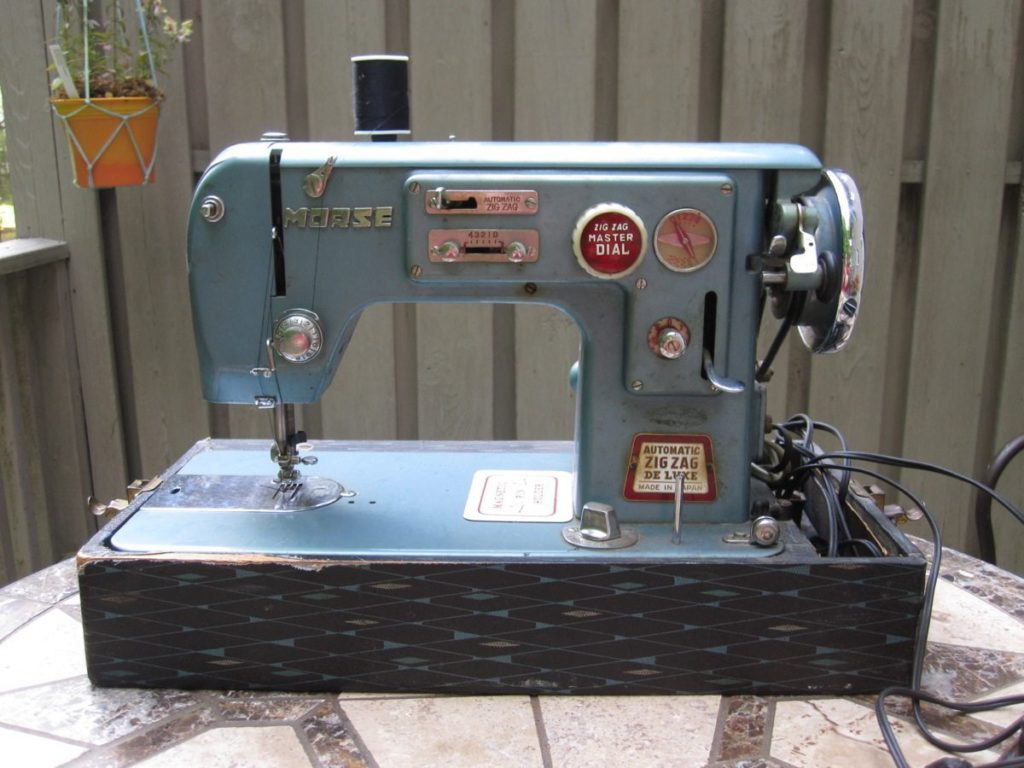 Popular Morse Sewing Machine Before Cleaning A New Family Morse Sewing Machine Model 8900 Morse Sewing Machine How To Thread houzz 01 Morse Sewing Machine