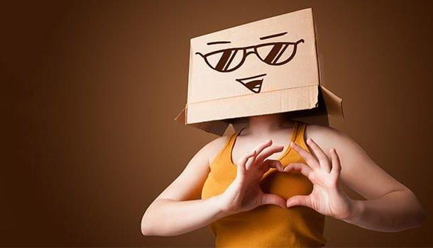 Desconfie de quem é feliz demais nas redes sociais