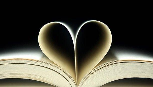 10 poemas de amor para recitar e rolar sem moderação