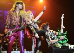 Steel-Panther-4-690x459