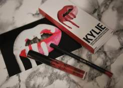 Kylie Lip Kit 1