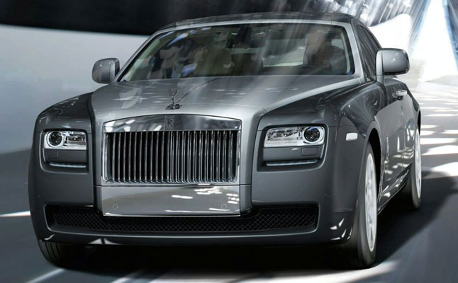 2010-rolls-royce-ghost-3