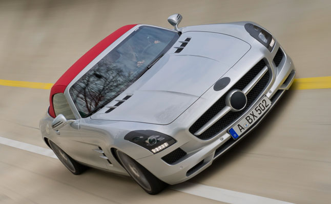 #mercedes-benz-sls-amg-roadster-feat