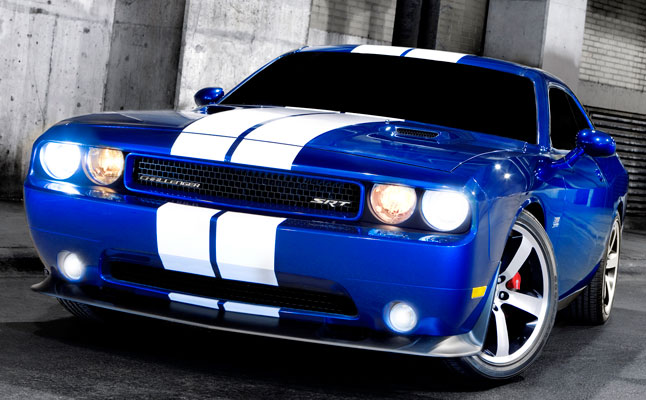 #dodge-challenger-srt8-392-feat
