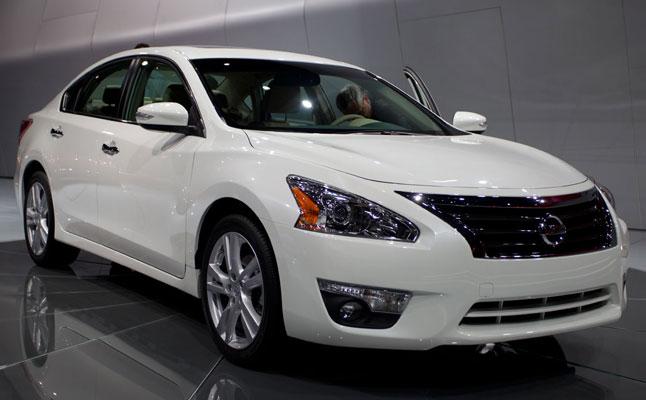 rides cars nyias new york auto show nissan
